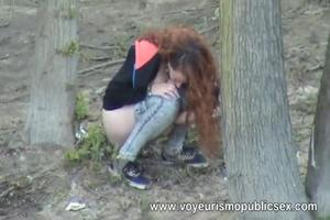 Many peeing girls outdoor 2